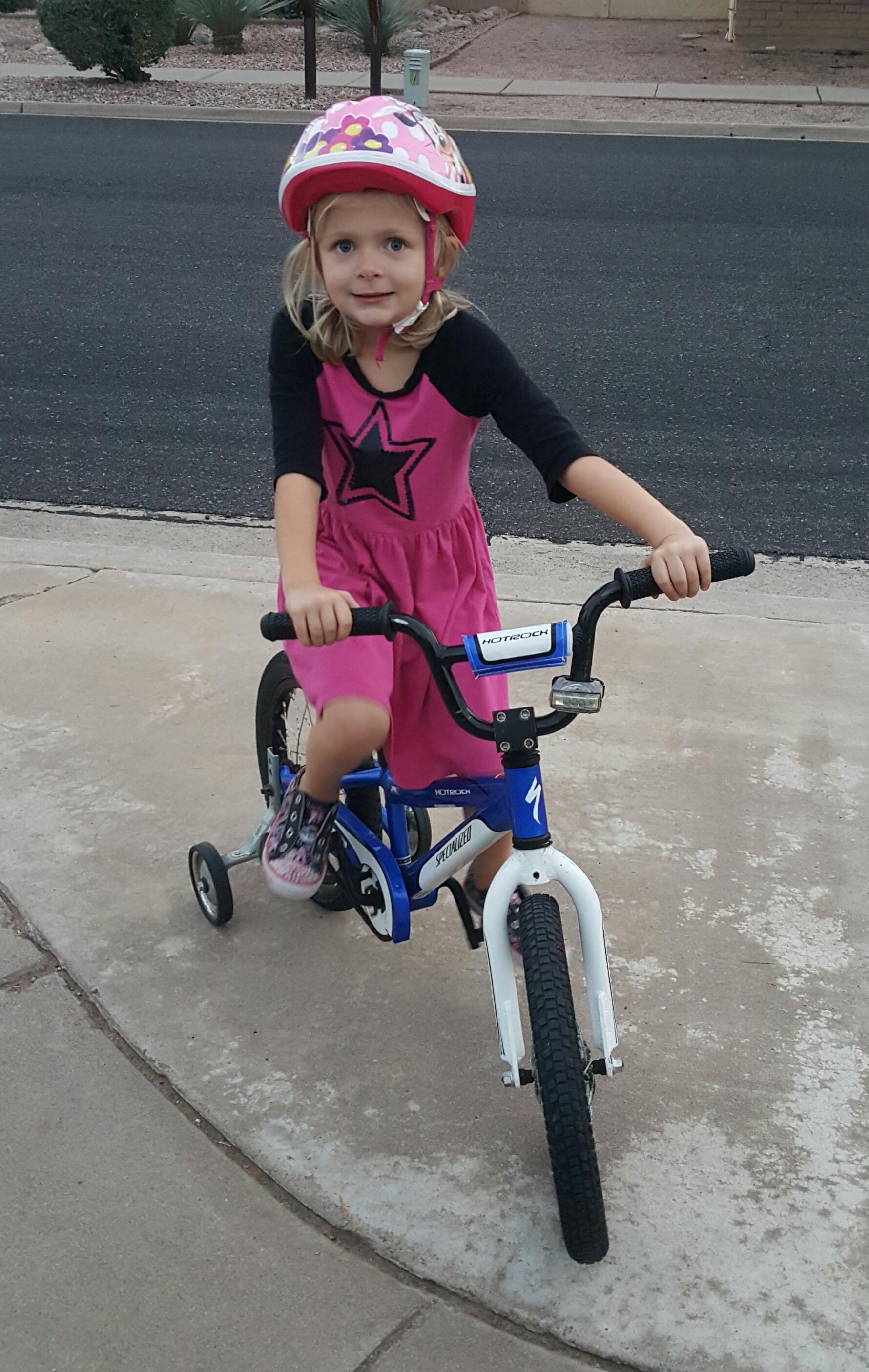 bike-helmet-elin